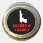 Sistema de seguridad en el hogar cerrado y cargado etiquetas