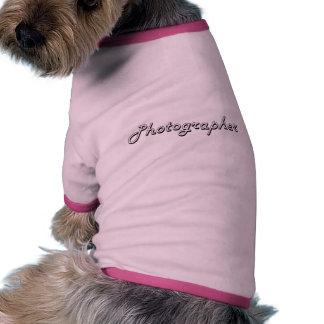 Sistema de trabajo clásico del fotógrafo camiseta con mangas para perro