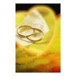 Sistema del resplandor de los anillos de oro papelería personalizada