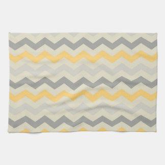 Sistema gris y amarillo de la cocina del zigzag de toallas