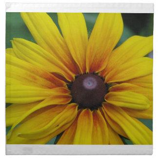 Sistema observado negro de la flor de Susan de cua Servilleta