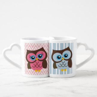 Sistema rosado y azul de la taza de los amantes tazas para parejas