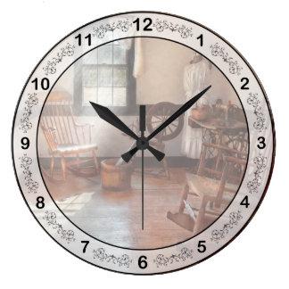 Sitio de la costura - sitio - de la abuela de reloj redondo grande