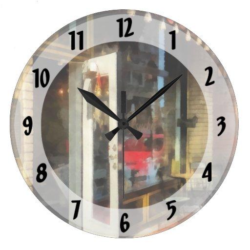 Sitio del té en SoNo Norwalk, CT Reloj