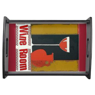 Sitio del vino, jarro rojo bandejas