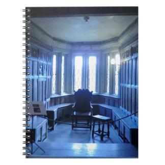 Sitio en Haddon Pasillo en Derbyshire Spiral Notebooks