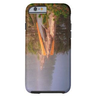 Sitio para acampar de niebla de la canoa, lago funda resistente iPhone 6