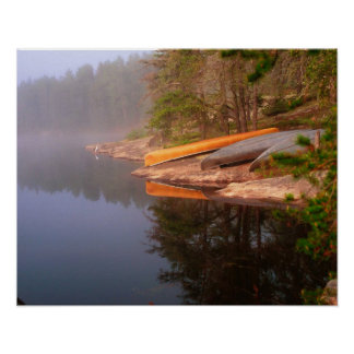 Sitio para acampar de niebla de la canoa, lago Kaw Póster