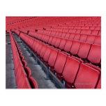 Sitios vacíos en estadio postal