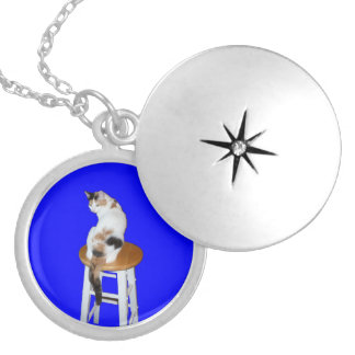 Sitting Calico Cat Silver Plated Necklace