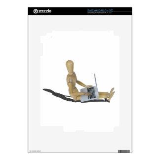 SittingOnFloorWithLaptop012915 iPad 2 Calcomanías
