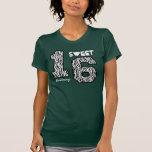 Sixteeen dulce nombre de encargo V80 de la cebra Camisetas