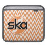 Ska; Chevron anaranjado y blanco Fundas Para iPads