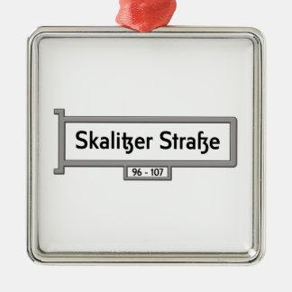 Skalitzer Strasse, placa de calle de Berlín Adorno Cuadrado Plateado