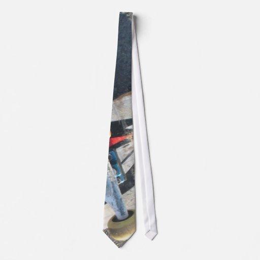 Skate Wheel Tie