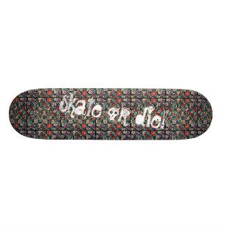 Skateboard gold die