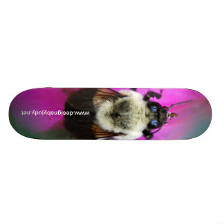 Skateboard with a Bee