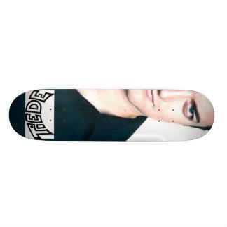 Skateboarding de Tiede del equipo Monopatín