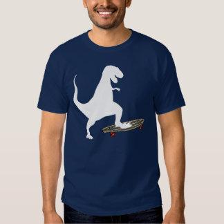 Skateboarding del dinosaurio camisas