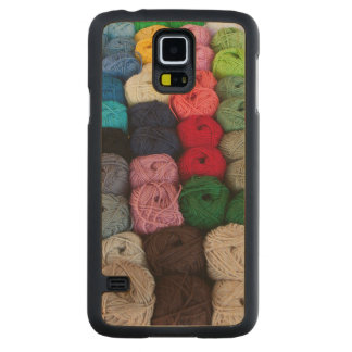 Skeins of yarn carved® maple galaxy s5 case