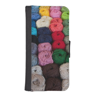 Skeins of yarn iPhone SE/5/5s wallet case