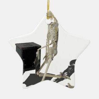 SkeletonClosingSafe032215 Adorno Navideño De Cerámica En Forma De Estrella