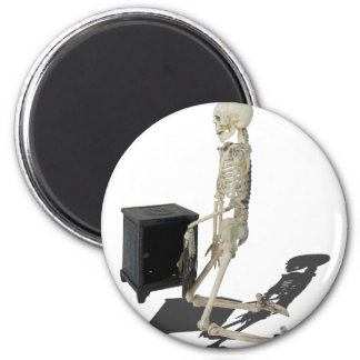 SkeletonClosingSafe032215 Magnet