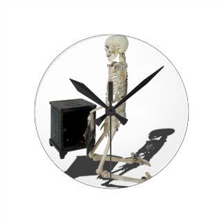 SkeletonClosingSafe032215 Round Clock
