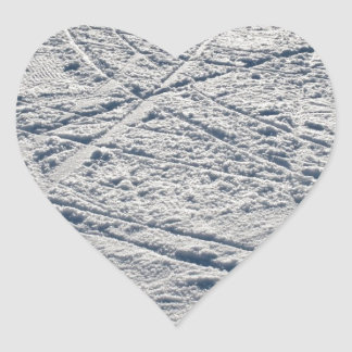 Ski traces heart sticker