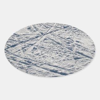 Ski traces oval sticker