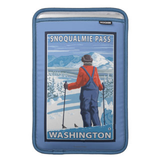 Skier Admiring - Snoqualmie Pass, Washington Sleeve For MacBook Air
