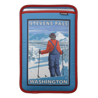 Skier Admiring - Stevens Pass, Washington Sleeve For MacBook Air