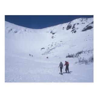 Skiiers en el soporte Washington del barranco de Postal