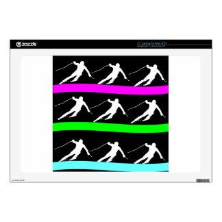 """skiing 17"""" laptop skin"""