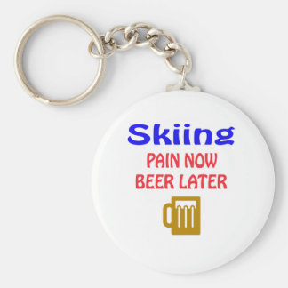 Skiing pain now beer later keychain
