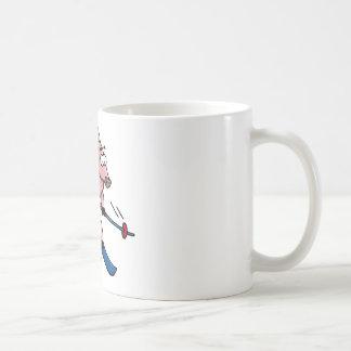 skiing pig taza de café