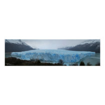 Skillful glacier Moreno Poster