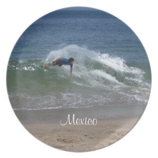 Skimmer Splash; Mexico Souvenir Dinner Plate