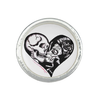 "Skinderella's ""Heart Kiss"" silver ring"