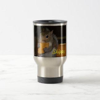 Skippy ama el café taza de café