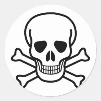 Skull and cross bones classic round sticker