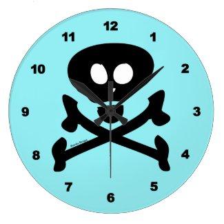 Skull and Crossbones blue Round Clocks