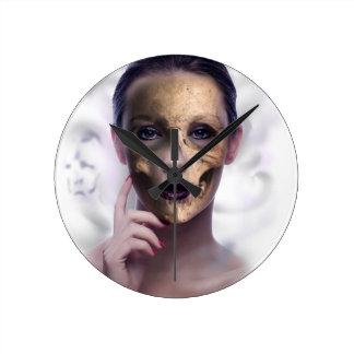 Skull Beauty Model Face Skeleton Round Clock