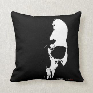 skull almohada