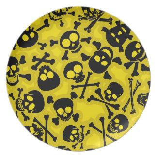 Skull & Crossbones Pattern Plate