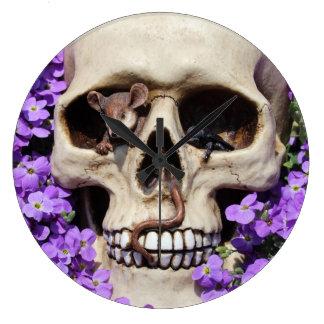Skull - Gothic/clock Large Clock