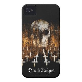 Skull, Graveyard, Grunge, Goth, Creepy Artwork iPhone 4 Case-Mate Case