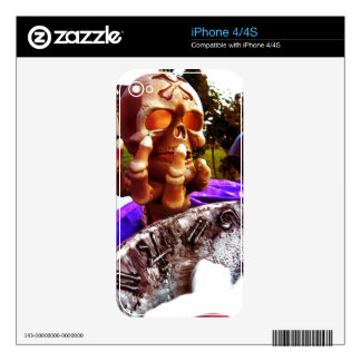 Skull Holding Decals For The iPhone 4S