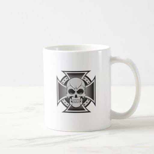 Skull & Iron Cross: Vector Drawing: Mugs