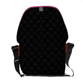 skull purse - dont be a fashion fatality messenger bag